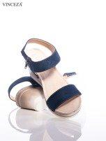Granatowe sandały Vinceza z profilowaną skórzaną podeszwą, na koturnach                                  zdj.                                  4