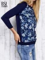 Granatowy kwiatowy sweter z łączonych materiałów                                  zdj.                                  3