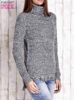 Granatowy melanżowy sweter z golfem i frędzlami                                                                          zdj.                                                                         3