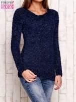 Granatowy sweter fluffy z cekinami                                  zdj.                                  3