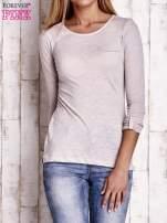 Jasnobeżowa bluzka z podwijanymi rękawami                                                                          zdj.                                                                         1
