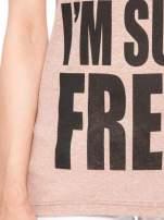 Jasnoborodowy t-shirt z napisem SORRY I'M SUPER FRESH z dżetami                                                                          zdj.                                                                         6