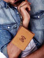 Jasnobrązowy skórzany portfel męski z przywieszką                                  zdj.                                  7