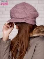 Jasnofioletowa dziergana czapka z daszkiem                                   zdj.                                  2