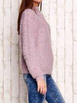 Jasnofioletowy włochaty sweter z półgolfem                                  zdj.                                  3