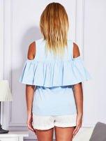 Jasnoniebieska bluzka z falbaną                                  zdj.                                  2