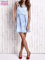 Jasnoniebieska jeansowa sukienka z koronkową wstawką                                  zdj.                                  7