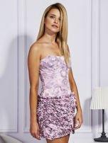 Jasnoróżowa sukienka w grochy z ozdobną spódnicą                                  zdj.                                  3