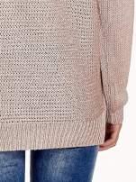 Jasnoróżowy sweter o większych oczkach                                  zdj.                                  6