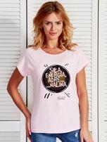 Jasnoróżowy t-shirt damski SIŁĄ ENERGIA ADRENALINA by Markus P                                  zdj.                                  1