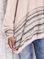 Jasnoróżowy włochaty sweter oversize z kolorową nitką                                   zdj.                                  7