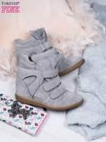 Jasnoszare zamszowe sneakersy na rzepy Tris                                  zdj.                                  2