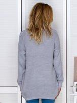 Jasnoszary fakturowany otwarty sweter                                   zdj.                                  2