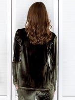 Khaki aksamitna bluza ze srebrnym nadrukiem                                  zdj.                                  2