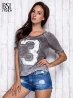 Khaki t-shirt z cyfrą 3                                  zdj.                                  3