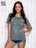 Khaki t-shirt z napisem NEW YORK