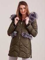 Khaki zimowa kurtka z futrzanym wykończeniem                                  zdj.                                  1