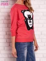 Koralowa bluza z nadrukiem pandy                                  zdj.                                  3