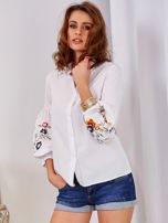 Koszula biała z haftowanymi rękawami                                  zdj.                                  1