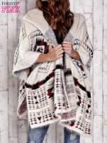 Kremowa narzutka poncho w azteckie wzory                                  zdj.                                  1