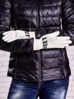 Kremowe rękawiczki z napisem SWEET i z wywijanym ściągaczem                                  zdj.                                  2