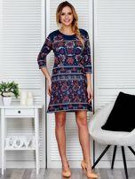 Luźna sukienka oversize w kwiaty granatowa                                  zdj.                                  4