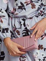 Matowa kopertówka z tłoczeniem pudrowo różowa                                  zdj.                                  8
