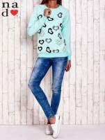 Miętowa bluza w serduszka