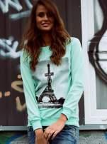 Miętowa bluza z motywem Wieży Eiffla