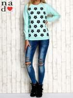 Miętowa bluza z nadrukiem kwiatów                                  zdj.                                  2