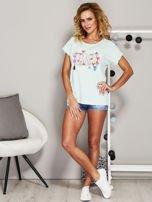 Miętowy t-shirt z koralikową aplikacją                                  zdj.                                  4