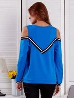 Niebieska bluza z ukośnymi ściągaczami                                  zdj.                                  2