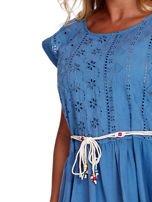 Niebieska bluzka boho z ozdobnym paskiem                                  zdj.                                  5