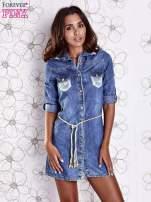 Niebieska dekatyzowana sukienka jeansowa z wiązaniem w pasie                                  zdj.                                  2