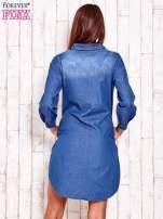 Niebieska jeansowa sukienka koszula z dłuższym tyłem                                  zdj.                                  4