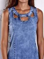 Niebieska jeansowa sukienka z wycięciami                                  zdj.                                  6
