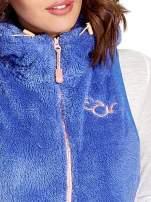 Niebieska kamizelka z polaru z kapturem z uszkami                                  zdj.                                  5