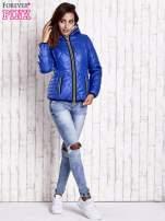 Niebieska pikowana kurtka z futrzaną podszewką                                  zdj.                                  6