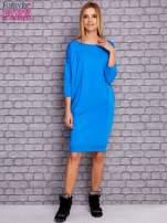 Niebieska sukienka oversize ze ściągaczem                                  zdj.                                  2