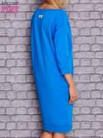 Niebieska sukienka oversize ze ściągaczem                                  zdj.                                  4