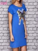 Różowa sukienka z cekinowym motylem                                                                          zdj.                                                                         3