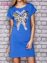 Niebieska sukienka z cekinowym motylem                                  zdj.                                  1
