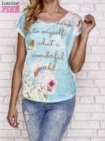 Niebieski t-shirt z nadrukiem przyrody                                                                          zdj.                                                                         1