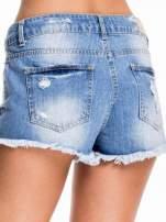 Niebieskie jeansowe szorty z wystającymi kieszeniami                                  zdj.                                  6
