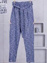 Niebieskie spodnie dresowe dla dziewczynki z wiązaniem                                  zdj.                                  5