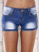 Niebieskie szorty jeansowe ze złotymi dżetami                                                                          zdj.                                                                         1