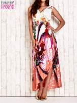Pomarańczowa sukienka maxi z trójkątnym dekoltem