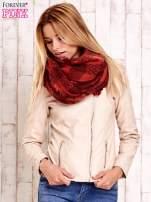 Bordowy szalik w kratę