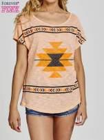 Pomarańczowy t-shirt we wzory azteckie z dżetami                                  zdj.                                  1