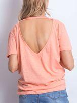 Pomarańczowy t-shirt z głębokim dekoltem z tyłu                                  zdj.                                  3
